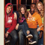 American Eagle: 40% off + FREE shipping + Cash Back!