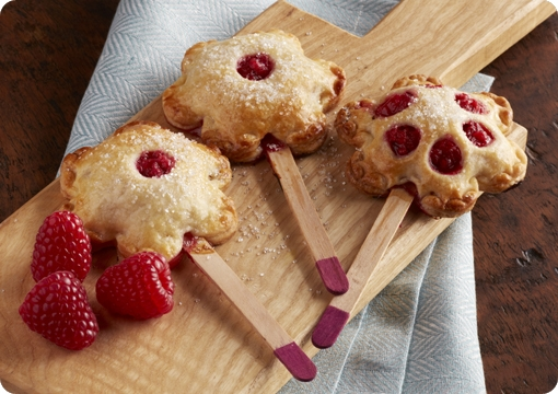 Raspberry Apple Pie Pops