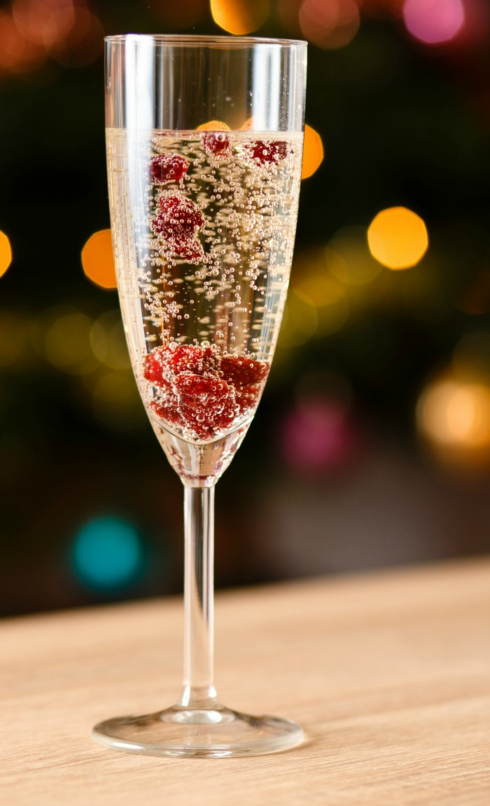 How to make a New Year's Eve Lava Lamp Drink