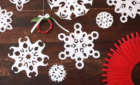 Kid's Christmas Activities   Paper Snowflakes