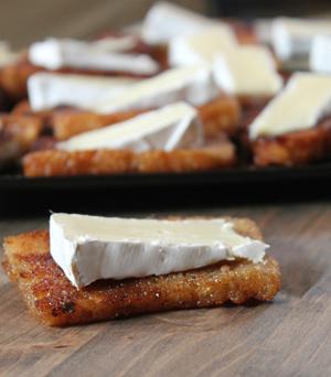 Maple Crostini Brie