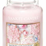 Yankee Candle Holiday Scents Review + Giveaway