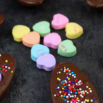 Easy Valentine's Day Chocolate Spoons + Free Printable Gift Tag!