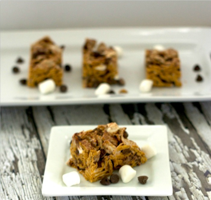 Easy S'mores Bar Treat made with Golden Grahams