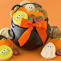 Halloween Cauldron Treats Gift For $14.99
