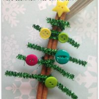 Easy Christmas Craft: Pipe Cleaner Christmas Tree Ornament