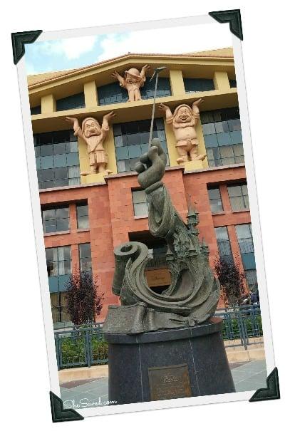 Legends Plaza