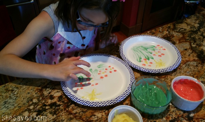 Edible Fingers paints are the perfect way to combine art time and snack time!
