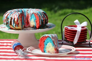 Looking for a patriotic cake for the 4th of July? This Liberty Bundt Cake is perfect and it's pretty easy to make!