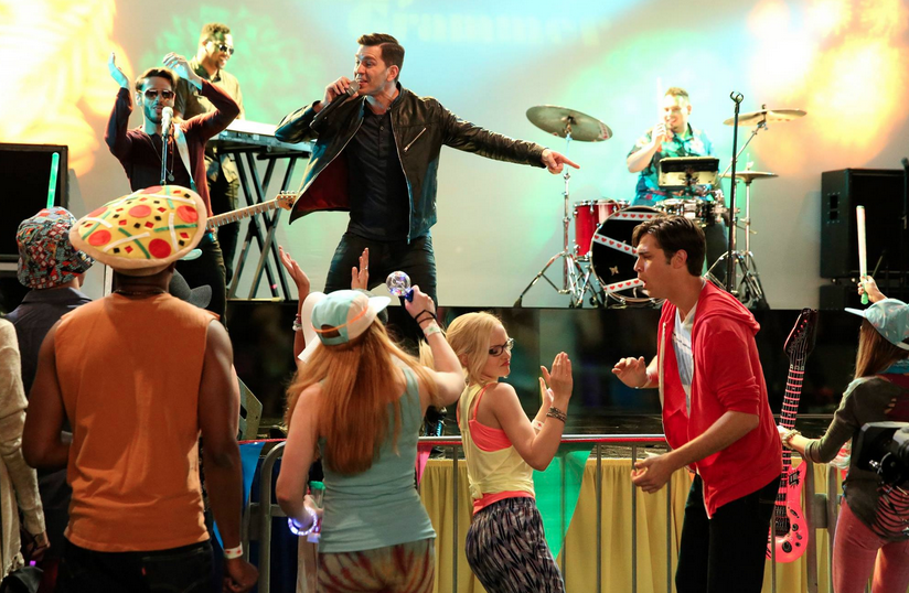 Andy Grammer on Liv and Maddie Set