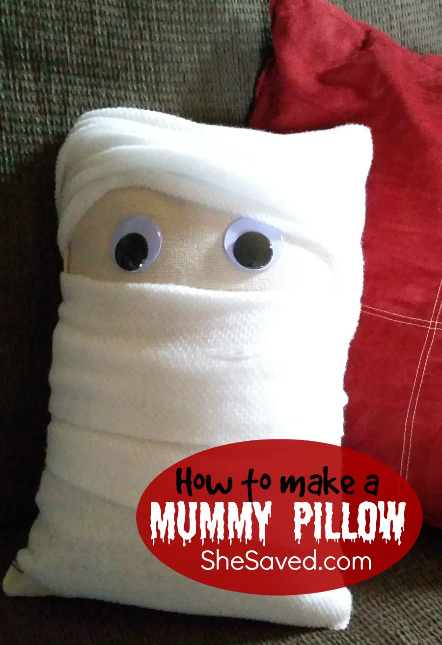 Make your own Mummy Pillow for quick and easy Halloween decor!