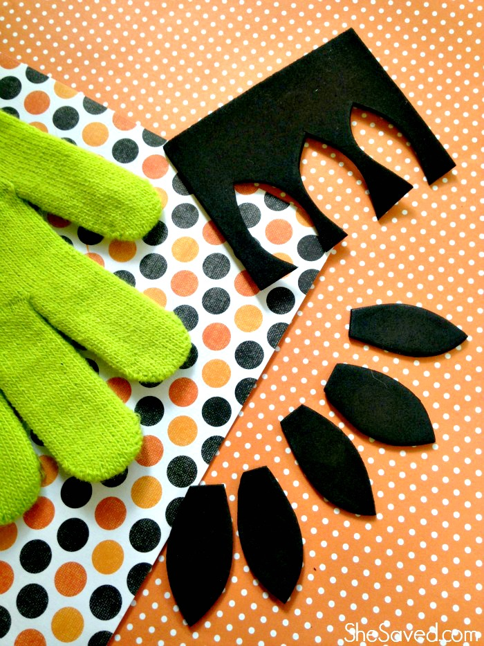 Easy Witch Hands for a Halloween Costume