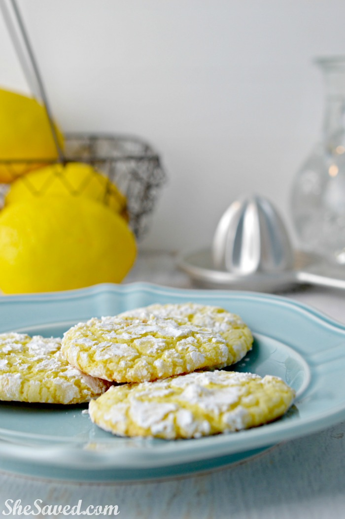 Make this delicious lemon cookies for your next tea party, they are as wonderful as they are pretty!