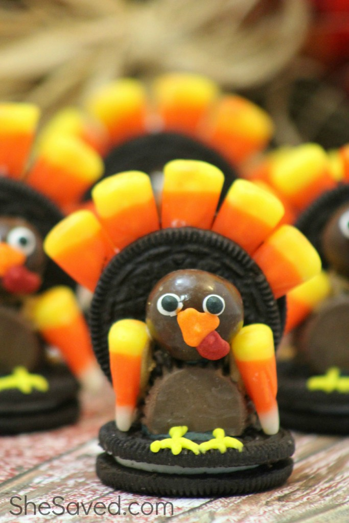 How cute are these adorable Turkey Cookies! So much fun to make and the kids love to help! They're perfect for a class party or Thanksgiving dessert!