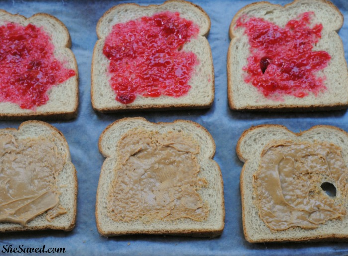Make your own DIY Uncrustable Sandwiches and the kids will thank you!