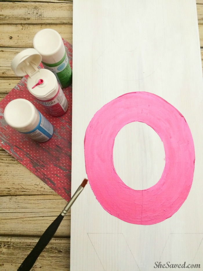 Easy and fun this DIY Joy Sign is great for gift giving and holiday decor!