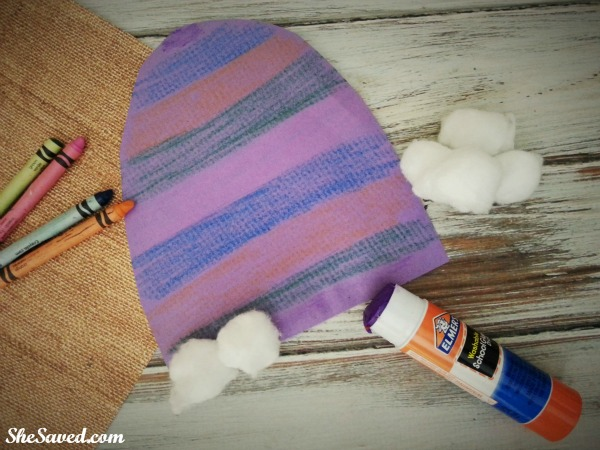 This Winter Hat Craft is perfect for little hands and a great indoor winter craft for those snow days!