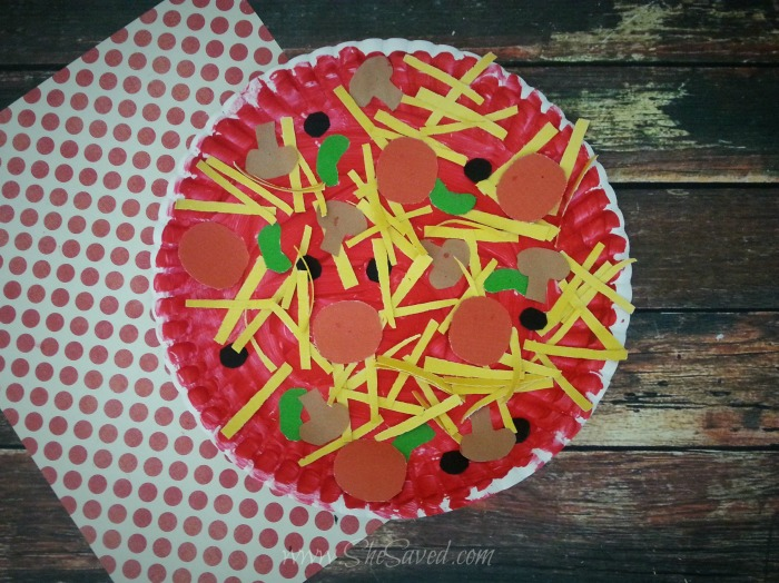 Paper plate pizza craft idea shesaved for Food crafts for preschoolers