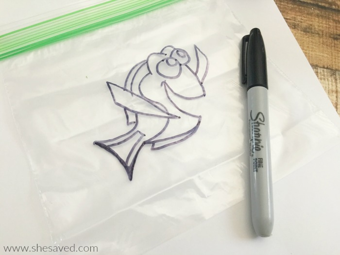This fun Dory craft activity is great for little hands and also great for mom because: no mess!