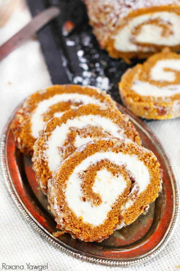 delicious-pumpkin-roll-recipes-from-cupcakes-and-kale-chips-for-community-table