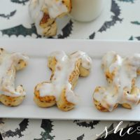 Halloween Cinnamon Roll Bones