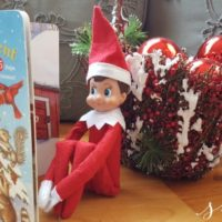Incorporating Reading into Your Elf on the Shelf Games