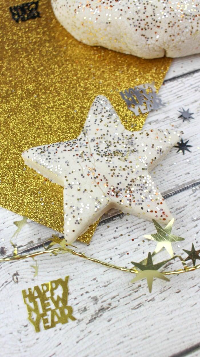 Glitter Play-doh recipe