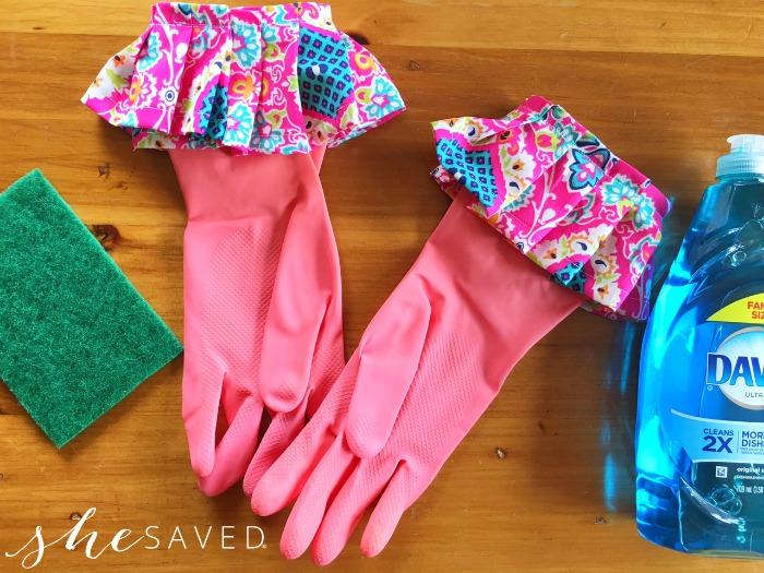Ruffled Gloves