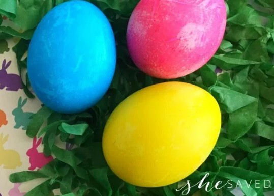 Dyeing Easter Eggs (the simple way!)