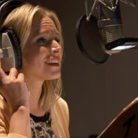 Netflix News: Kristen Bell Sings Chasing Coral Theme Song #StreamTeam