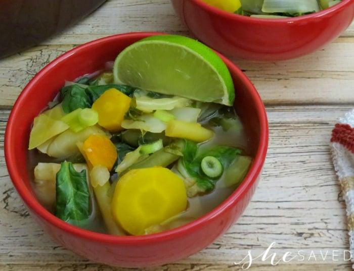 80-Calorie Vegetable Cleansing Detox Soup