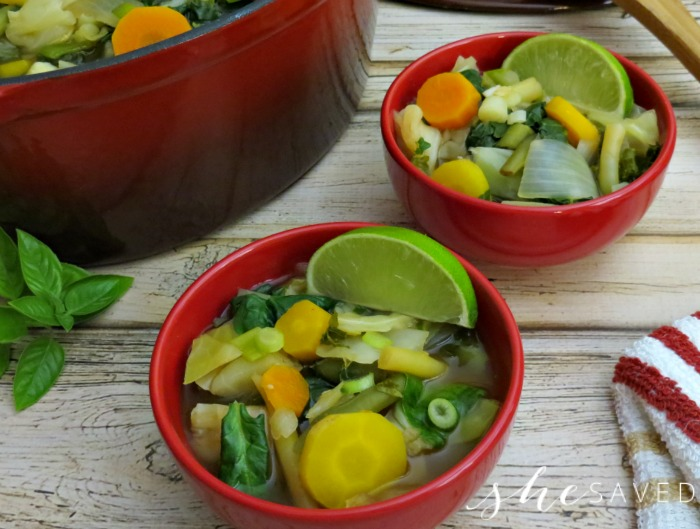 80-Calorie Vegetable Cleansing Detox Soup