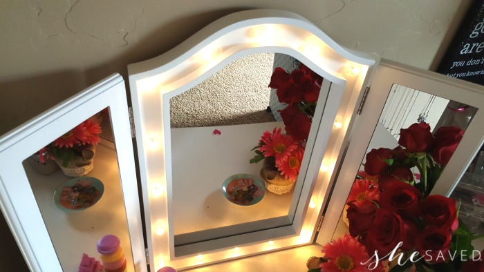 great gift idea tri fold tabletop vanity mirror w led lights 10 off coupon shesaved. Black Bedroom Furniture Sets. Home Design Ideas