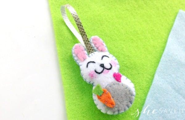 Easter Craft: Handmade DIY Felt Bunny Plushie