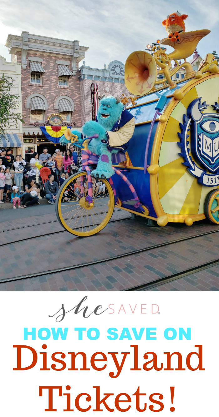 Some great tips on how to save on Disneyland tickets!