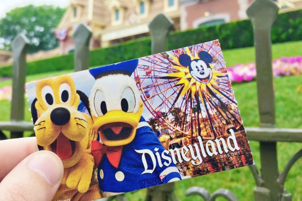 SAVE on 2020 Disneyland Tickets!!