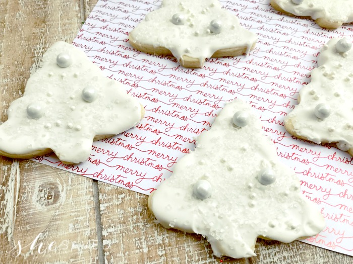 The Most Elegant Christmas Tree Cookies
