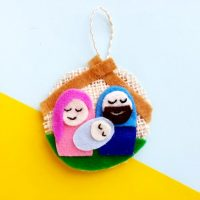 DIY Christmas Craft: Felt Nativity Ornament