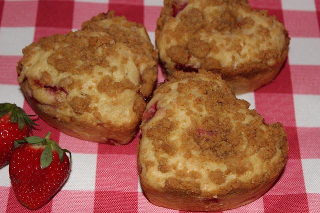 Strawberry Cheesecake Heart Muffins