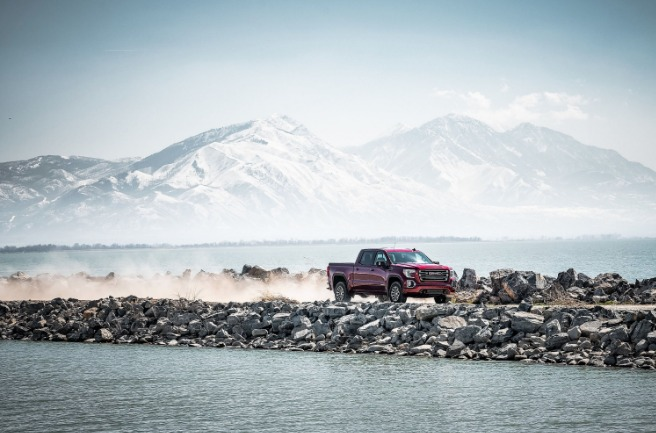 Driving the 2019 GMC Sierra ATV4
