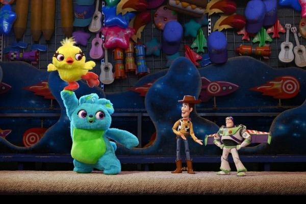 Toy Story 4 Carnival Scene