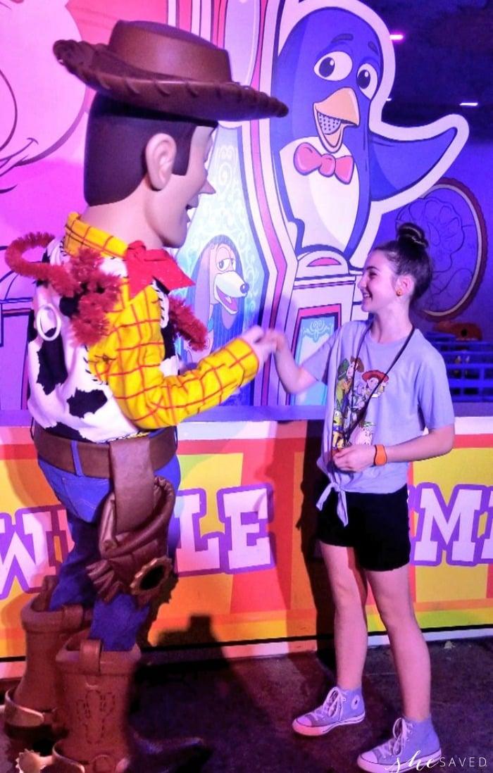 Woody Handshake