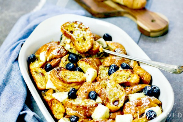 Eggnog breakfast bake