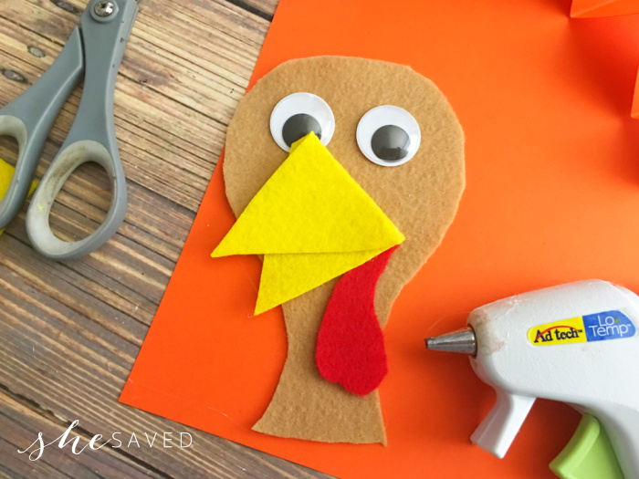 Making a Felt Turkey