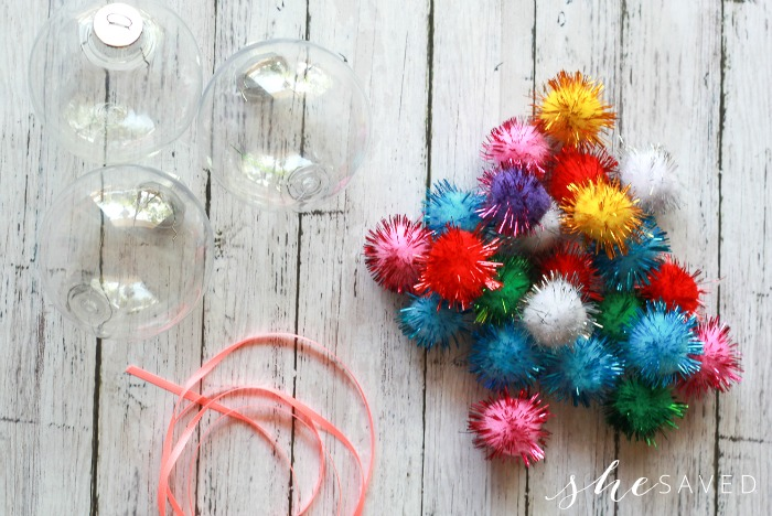 What You Need for this Easy Pom Pom Craft