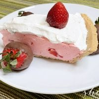EASY! No-Bake Strawberry Jello Pie Recipe